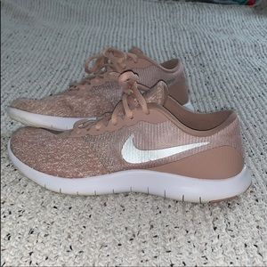 Nike Sneakers! Great condition
